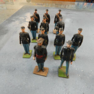 https://militaryhobbies.com.au/wp-content/uploads/2020/04/54mm-Metal-Union-Artillery-Crew-made-in-England-by-Britains-301947785005.jpg