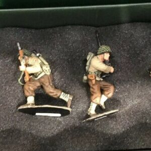 https://militaryhobbies.com.au/wp-content/uploads/2020/04/King-and-Country-American-Beach-Assault-Team-DD015-293244011035.jpg
